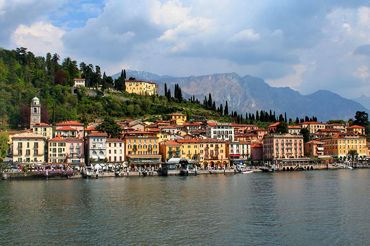 Bellagio seen from the water with Villa Serbelloni above the town