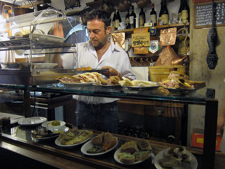 Various cicchetti on display at Cantina Do Mori
