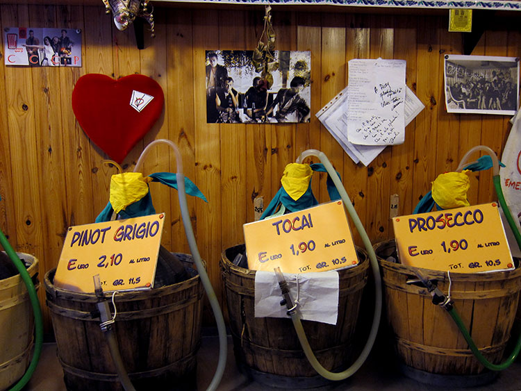 Pinot grigio, Tocai and Prosecco vino sfuso for sale in a shop in Venice, Italy