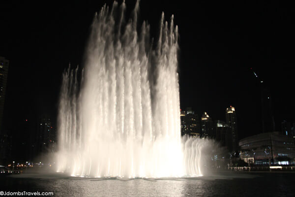 Jdombs-Travels-Dubai-Fountain-4