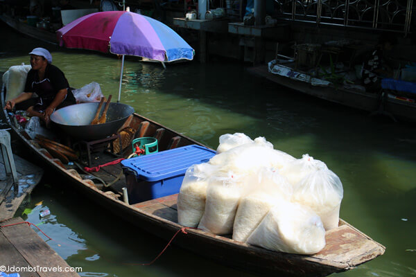 taling chan floating market how to get there