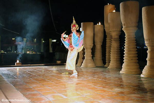 Anantara Bangkok Riverside Terrace Thai Dance Show