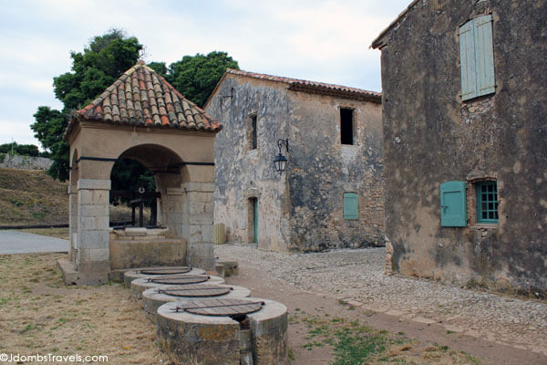 Roman ruins on  Île Sainte-Marguerite