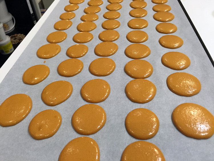 Making macarons in Paris with Cook'n with Class