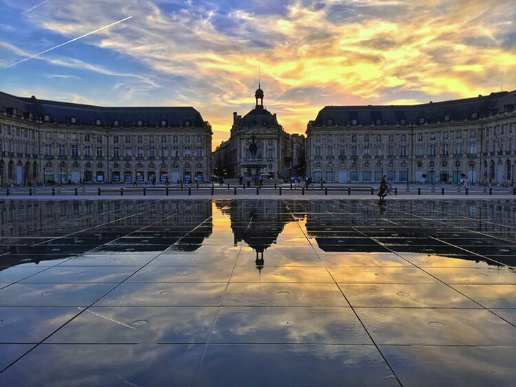 Miroir d'Eau Bordeaux, France