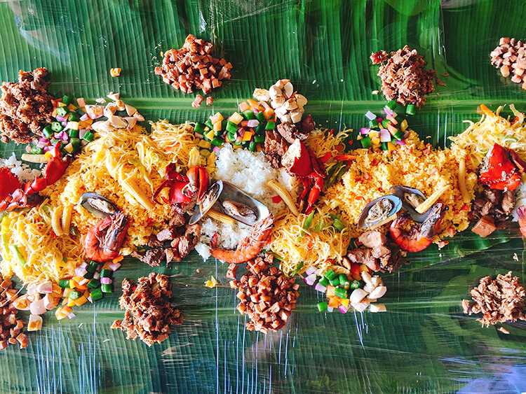 Filipino Boodle Fight