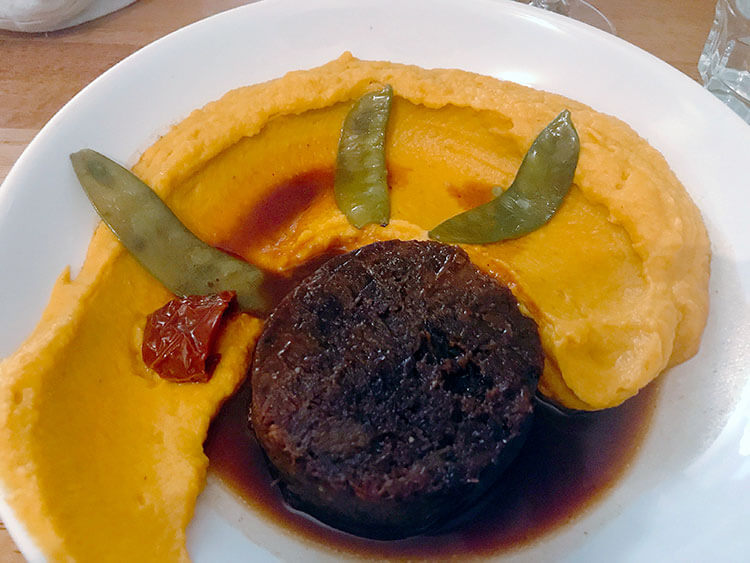Beef cheek on a bed of pumpkin puree at Restaurant LouLou