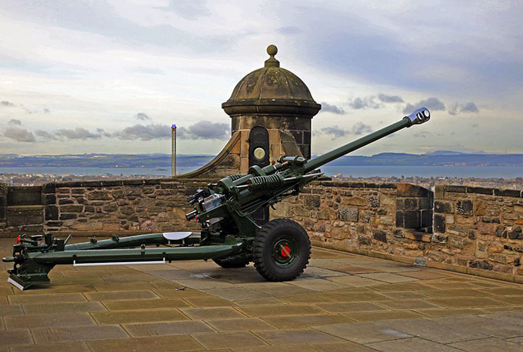 One o'clock gun at Edinburgh Castle