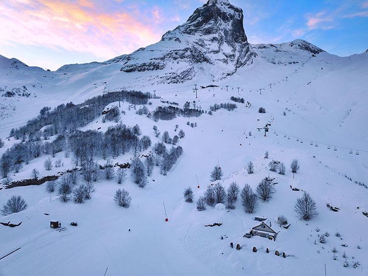 L'aventure Nordique village at 1600 meters in Gourette