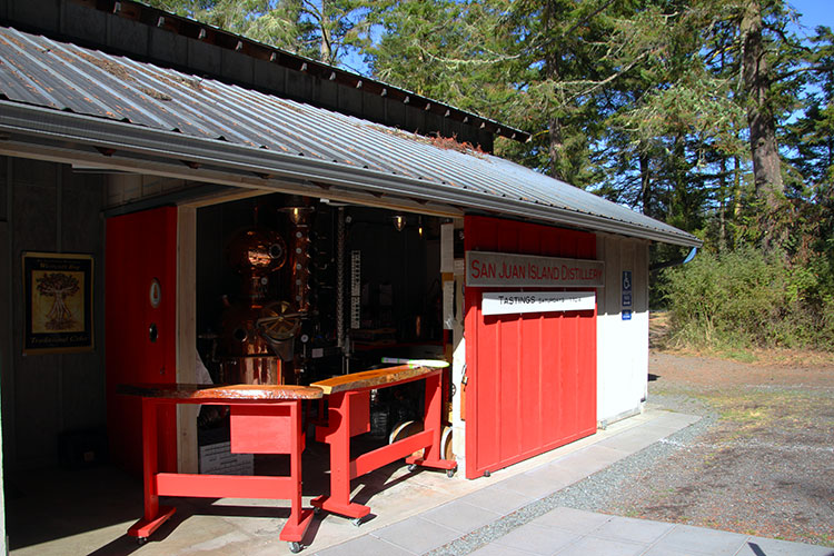 The outdoor tasting bar at San Juan Island Distillery