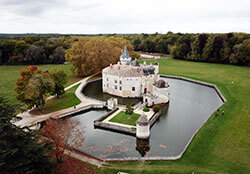 Aerial shot of Château la Brede andn the moat surrounding it