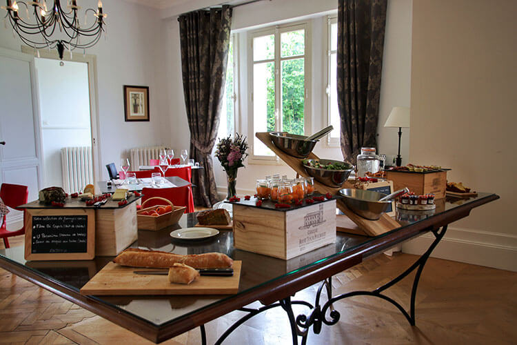 Brunch buffet inside the château at Château Ambe Tour Pourret