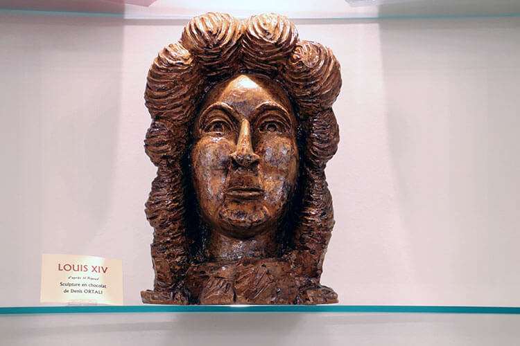 A bust of Louis XIV sculpted from chocolate at Daranatz