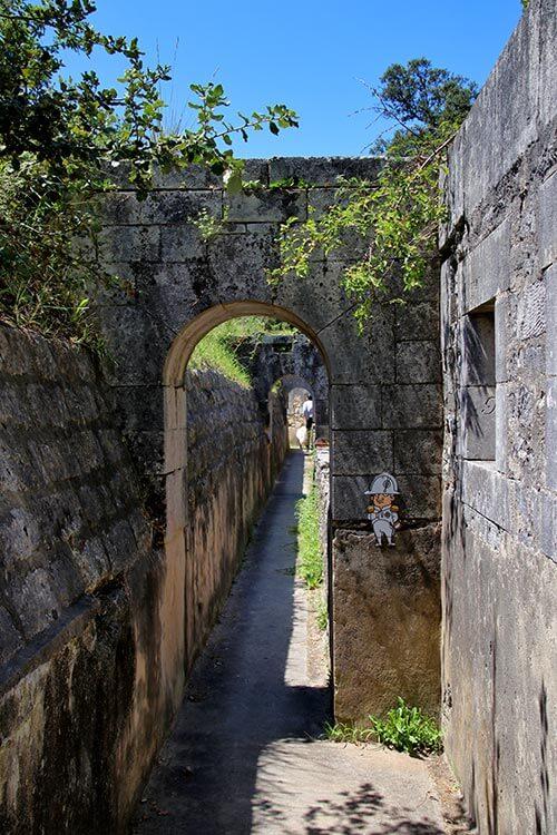 Walking inside the rampart of Fort Liédot on Île d'Aix